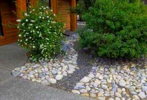 050-dry-river-bed-front-yard